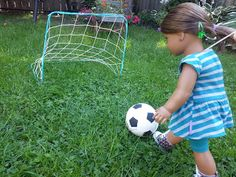 American Girl Doll Crafts and Fun!: How to Make a Doll Soccer Net (from funwithagfan on Blogspot)