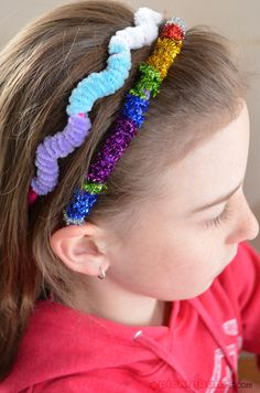 Quick and Easy Headband Art with pipe cleaners and double sided tape.