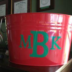 Monogram on tub