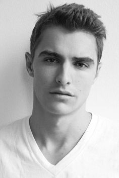 JAMES FRANCO'S BROTHER IS HAWT.