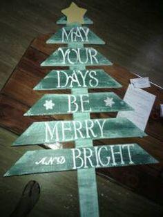 Pallet Board Christmas Tree