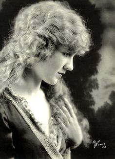 ~Mary Miles Minter~    Born: April 1, 1902 in Shreveport, Louisiana, USA  Died: August 4, 1984 in Santa Monica, California, USA    ~Los Angeles Times~  August 11, 1984  Mary Miles Minter was one of the golden girls of silent pictures, whose career was cut short by the   unsolved 1922 murder of her director and lover. She died in obscurity, decades from the scenes of   her triumphs and tragedies.