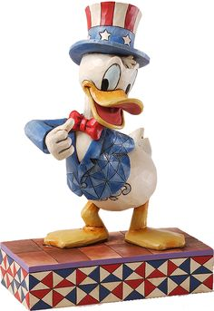 Disney Traditions by Jim Shore: Patriotic Donald Duck - 1500 points