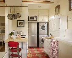 Venice Beach Eco Cottages Aunt Zoe's Place retro laundry room and kitchen