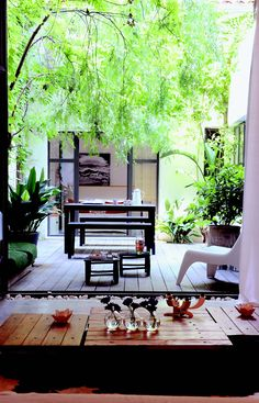 Courtyard Home : Inside Outside Magazine