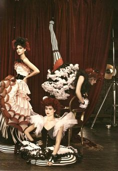 costum, lets dance, ruffl, carnival, haunted houses, hair makeup, patrick demarchelier, stripe, night circus