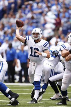 Andrew Luck Photo - St Louis Rams v Indianapolis Colts