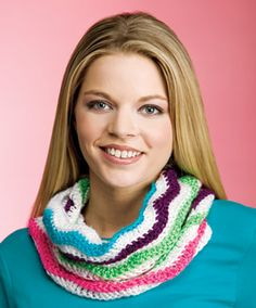 """Waves of Color Cowl, part of Crochet World's FREE Scrap Project of the Month. Get the download here: http://www.crochet-world.com/scrap_project.php?id=18  """"Like"""" the Crochet World Facebook page so you don't miss a single monthly installment: https://www.facebook.com/CrochetWorldMag"""