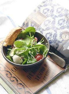 Breakfast Salad with Egg & Cheddar by onionchoco  #Salad #Breakfast
