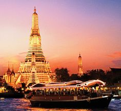 The boat trip at dusk that passes the temples! Wonderful memory. I think I have some pics of it somewhere.