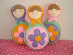 cupcake cutie: Free pattern/tutorial: Felt Russian Doll softie