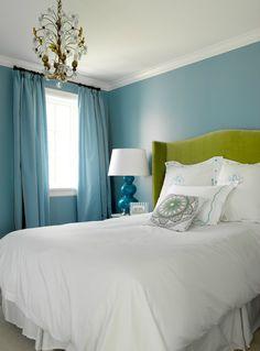 House of Turquoise: bedroom by Graciela Rutkowski Interiors