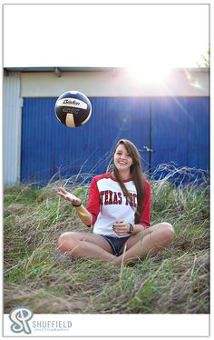 love that it is cute and still has the volleyball in it! Great idea for senior pictures @Barb Peterson Schrag