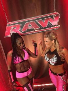 7/28/14 Naomi & Natalya team up to take on Former friend Cameron & Alicia Fox winner of the Match is : Naomi & Natalya
