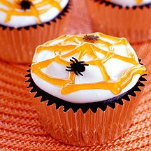 Top these Chocolate Halloween Cupcakes with marshmallow fluff, a spooky web and a plastic spider for sweet #Halloween fun! #recipe #WWLoves