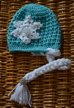"Crochet ""Frozen"" Inspired Elsa Hat with Braid by LoveLizard – crochet, Disney princess, Elsa, frozen, crochet, snowflakes"