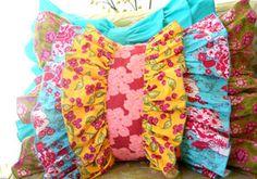 love this ruffle pillow!
