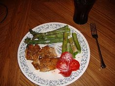 wild salmon (5 ounces), with asparagus (1 cup), and a small tomatoe (1/2 cup)