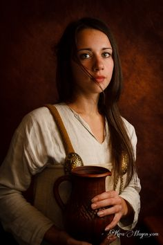 Photo gallery of Viking Rus period reenactors from Moscow. Includes Varangians and Alania Rus costumes. Photography by Kira Hagen.