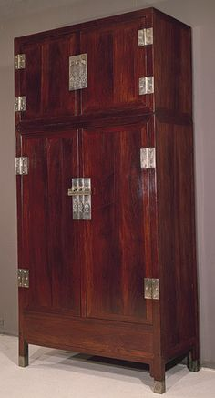 Wardrobe, Ming dynasty, 16th century  China  Wood (Huanghuali/Dalbergia odoriferal)