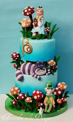 Alice in Wonderland Cake idea, alic cake, cake design, food, alice in wonderland, cake art, wonderland cake, parti, birthday cakes