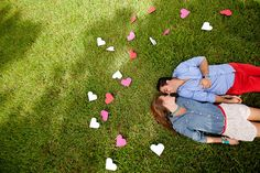 paper heart engagement session by artphotosoul.com