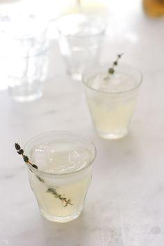 Lemon Thyme Gin Sparkler | QUITOKEETO