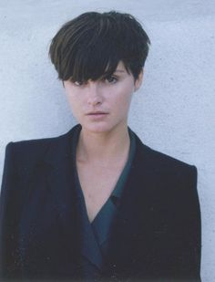 Demi moore in the 90s 90s short hair shorti hair bob hair short