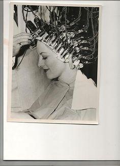 Joan Crawford getting permanent wave 1939