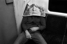 Damian Chrobak, Man with a paper, Central line, 2011