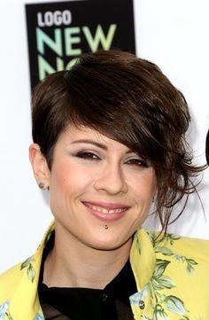 Tegan Quin of Tegan + Sara. I LOVE this hair.