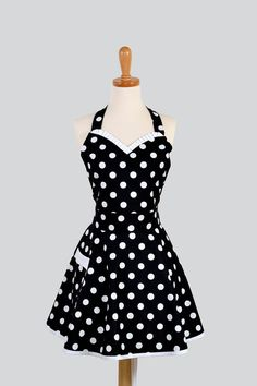 How cute and retro is this apron?