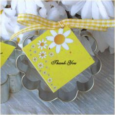 Daisy themed party favors
