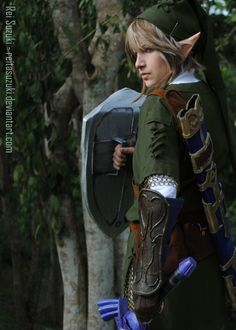 Really cool Link cosplay (Legend of Zelda)