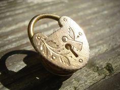 locket grandma button, collar button, locket, button basket
