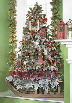 RAZ Home for the Holidays Tree