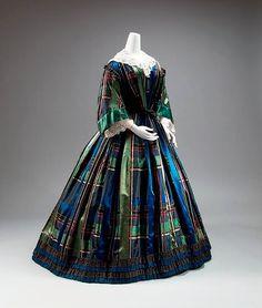 Fashion photographs | Fashion images, fashion photos 1850's dress
