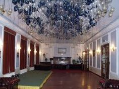 balloon ceiling - blue/white