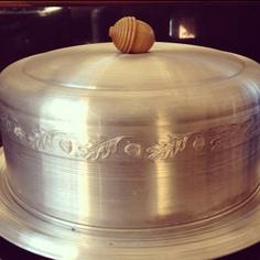 Aluminum Cake Keeper