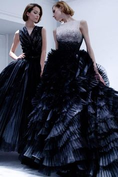 Christian Dior Haute Couture Spring-Summer 2012 Backstage