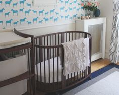 Stokke Sleepi crib and Care changing table in Walnut