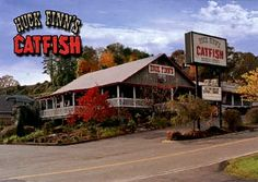Huck Finn's Catfish––my absolute favorite place to eat after hiking in the Smokey Mountains and browsing the artists' community of Gatlinburg–Pigeon Forge,  TN. Amazing hush puppies and, not surprisingly, catfish. #vacation #restaurant #food #smokymountains