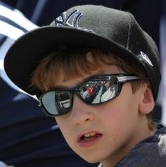 Shopping for a new Yankees Hats check out this great Yankees shopping guide.  Learn the difference between brands such as New Era and 47' Brand so you'll end up with a hat that fits you right.