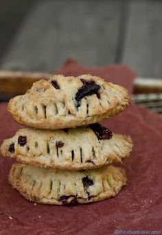 Gluten Free Cherry hand pies made with fresh, organic cherries |These look outrageously delicious!