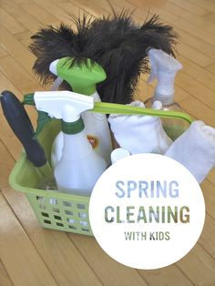 Great tips and easy recipes for spring cleaning with kids!