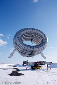Altaeros set to break world record with 1,000 foot-high floating wind turbine By Loz Blain April 6, 2014 The Buoyant Air Turbine, from Altaeros Energies
