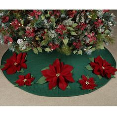 ~Felt Poinsettia Quilted Christmas Tree Skirt~