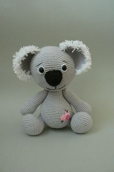 Omg! Does anyone know how to crochet? I freaking LOVE this!  Ravelry: Koala Bear crochet pattern pattern by Katka Reznickova SOMEBODY MAKE THIS FOR ME.