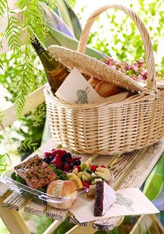 Picnics with my family. How to pack a picnic.
