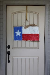 Tutorial on how to make a burlap Texas flag sign. www.texashomemaking.com to enter to win one!!!